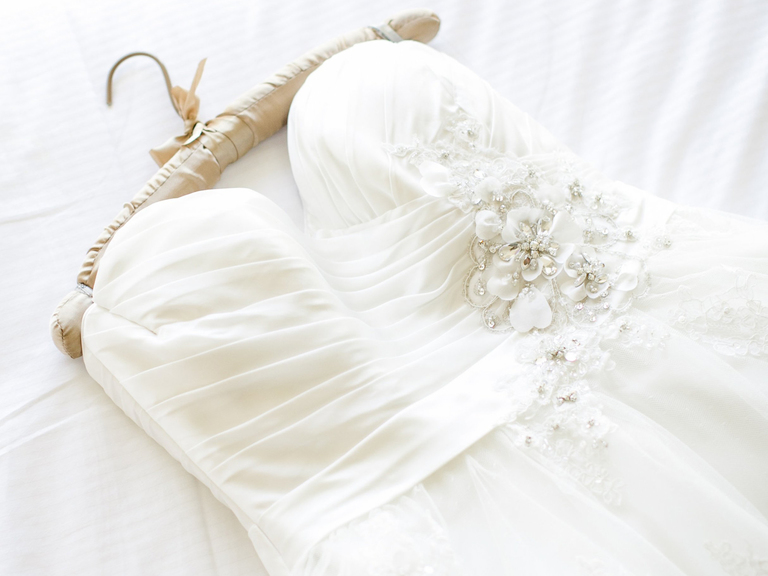 Tips how to preserve your wedding dress official hebeos for How to preserve a wedding dress