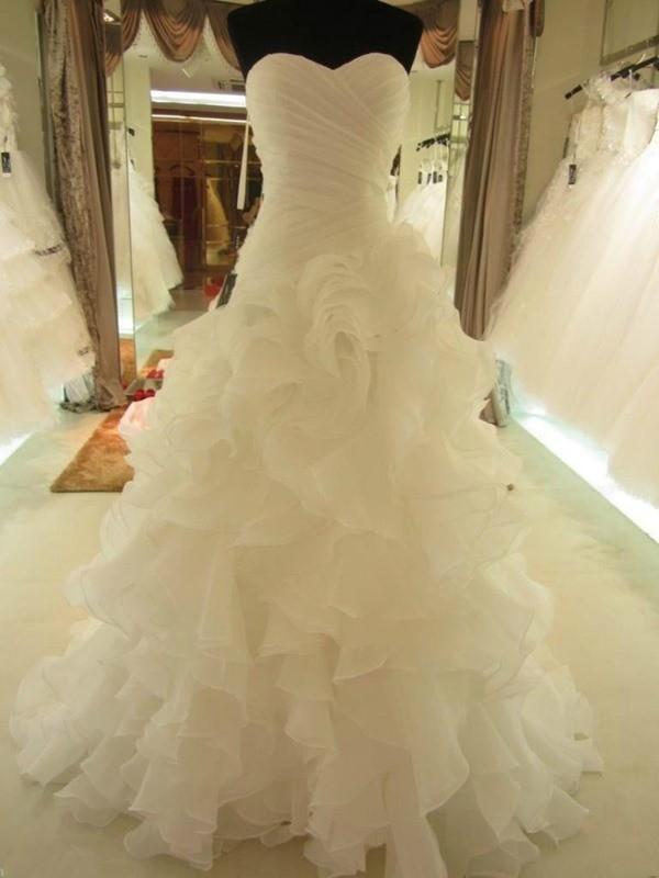 Ball Gown Ruffles Sweetheart Organza Sleeveless Court Train Wedding Dresses