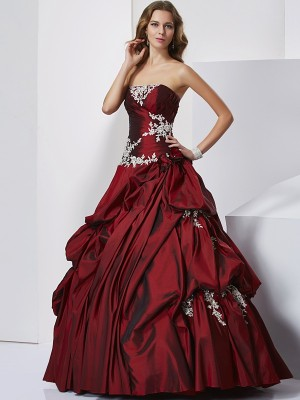Ball Gown Sweetheart Sleeveless Beading Long Taffeta Quinceanera Dresses