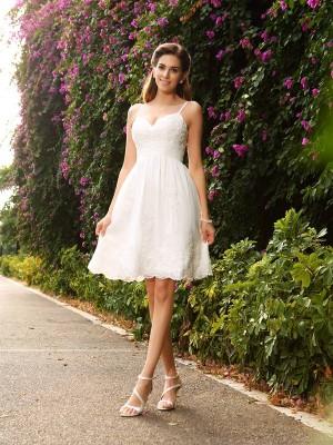 A-Line/Princess Spaghetti Straps Applique Sleeveless Short Lace Wedding Dresses