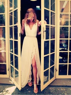 A-Line/Princess V-neck Sweep/Brush Train Sleeveless Beading Chiffon Wedding Dresses