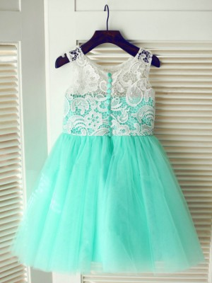 A-line/Princess Scoop Sleeveless Lace Long Tulle Dresses