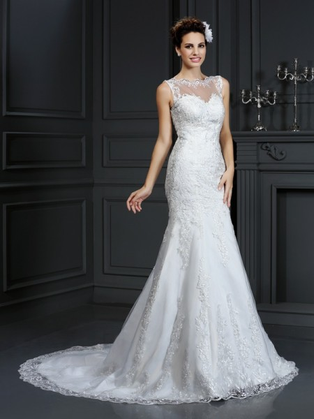 Sheath/Column Bateau Lace Sleeveless Long Satin Wedding Dresses