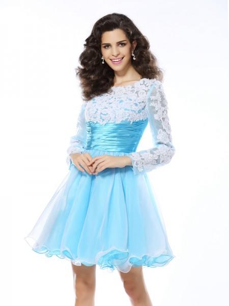 A-Line/Princess Scoop Applique Long Sleeves Short Elastic Woven Satin Cocktail Dresses