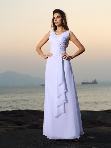 A-Line/Princess V-neck Pleats Sleeveless Long Chiffon Beach Wedding Dresses