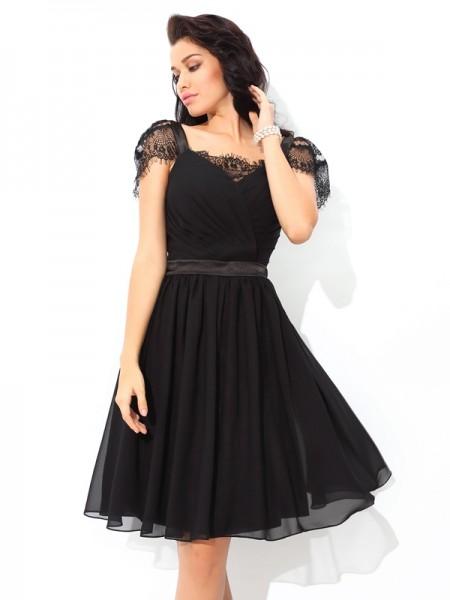 A-Line/Princess Straps Pleats Sleeveless Short Chiffon Cocktail Dresses