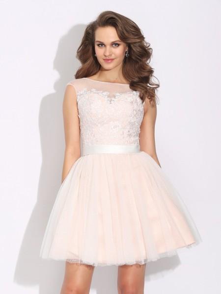 A-Line/Princess Bateau Ruffles Short Sleeves Short Net Dresses