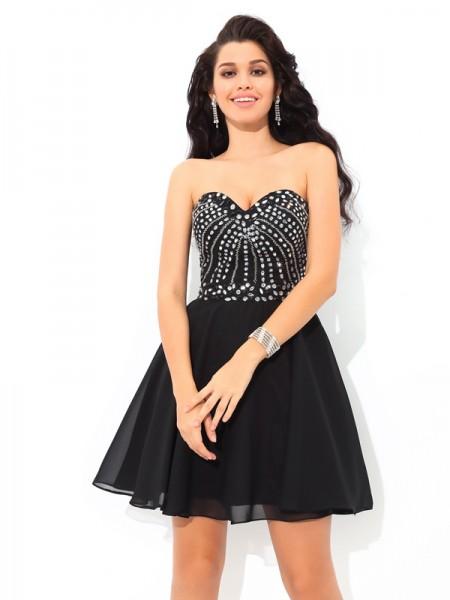 A-Line/Princess Sweetheart Paillette Sleeveless Short Chiffon Cocktail Dresses