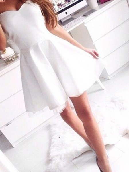 A-Line/Princess Sleeveless Sweetheart Short/Mini Satin Dresses