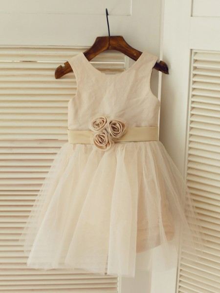 A-line/Princess Scoop Sleeveless Sash/Ribbon/Belt Long Tulle Dresses